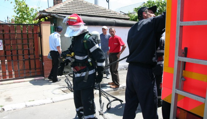 Foto: Apartament din Constanţa în flăcări