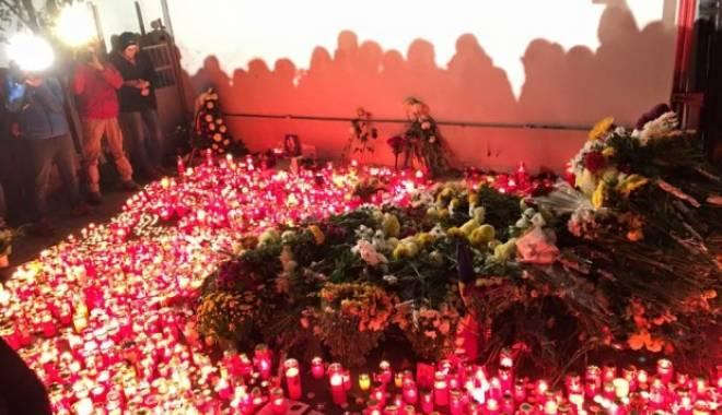 Foto: Bilanţul tragediei de la Colectiv a ajuns la 56 de morţi