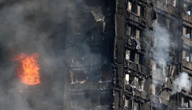 Foto: BILANŢ DE ULTIMĂ ORĂ: 58 DE MORŢI, ÎN TRAGEDIA DIN LONDRA