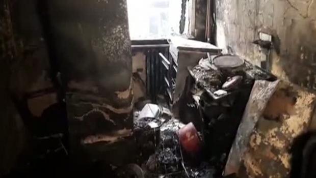 Foto: Tânărul care a ars în incendiul de la Piatra Neamţ a murit la spital în Belgia. Reacţia ministrului Sănătăţii