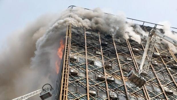Foto: VIDEO / TRAGEDIE / Peste 30 de pompieri au murit în urma unui incendiu