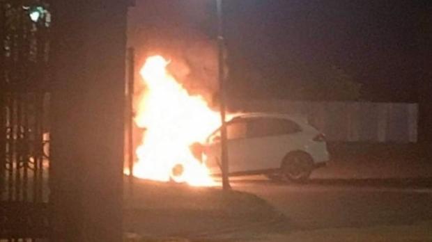 Foto: Bărbat găsit carbonizat într-o maşină. Gestul extrem la care a recurs după ce divorţase