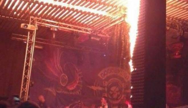 Foto: Video cutremurător! Momentul în care tavanul clubului Colectiv s-a prăbuşit!