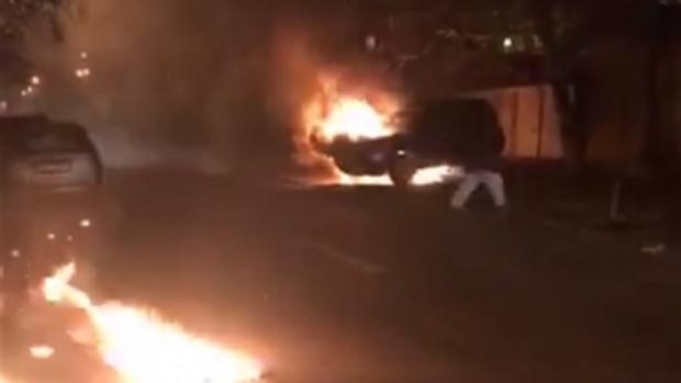 Foto: Atac în stil mafiot, în prag de Crăciun. Maşină de teren, făcută scrum