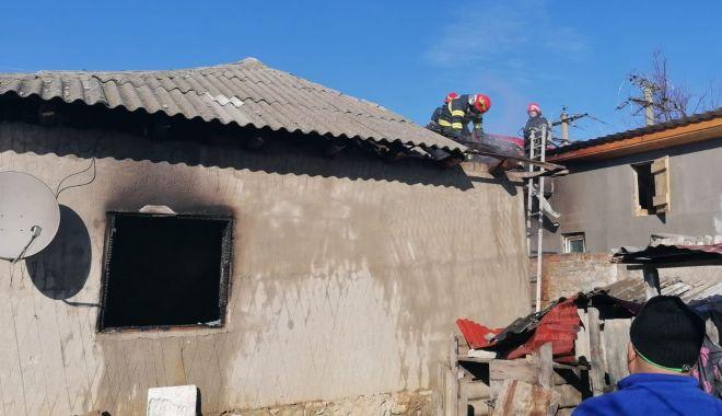 Foto: Incendiu în cartierul Palazu Mare. Arde o casă!