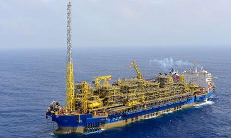 Incendiu pe o navă de producție, depozitare și descărcare a petrolului - incendiupeonavadeproductie-1516205497.jpg