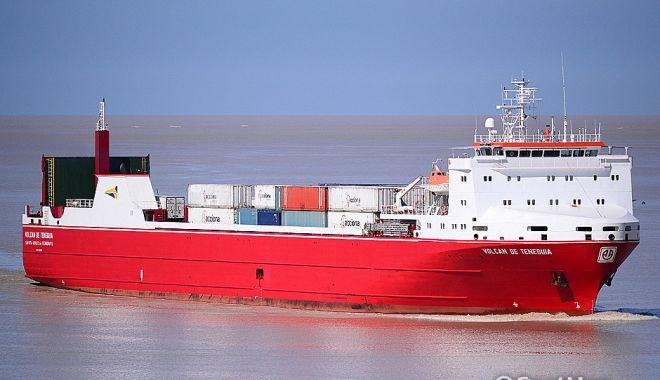 Foto: Incendiu pe o navă ro-ro, în Atlantic