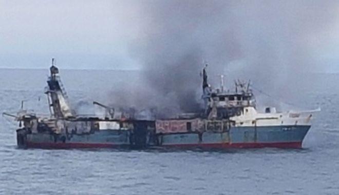 Incendiu pe un pescador în Atlanticul de Sud - incendiupeunpescadorinatlanticul-1603268728.jpg