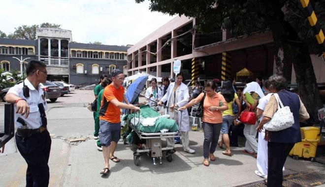 Foto: Spital mistuit de foc. Cel pu�in 19 persoane au murit