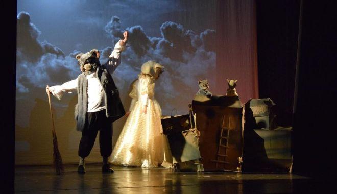 """""""L' heure d'or de Paris"""", din nou pe scena Teatrului """"Oleg Danovski"""" - incepspectacolelesursateatru2-1600448094.jpg"""