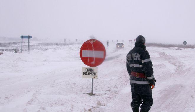 DN 3 închis între localitățile Ostrov și Cobadin, județul Constanța. Viscol și vizibilitate redusă! - inchis-1611747264.jpg