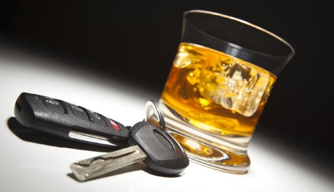 Inconştienţă!  S-au urcat  la volan după ce  au consumat alcool - inconstienta-1516642026.jpg