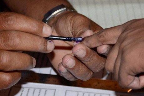 Foto: Un bărbat a apelat la un gest extrem, de supărare că a votat cu partidul greșit