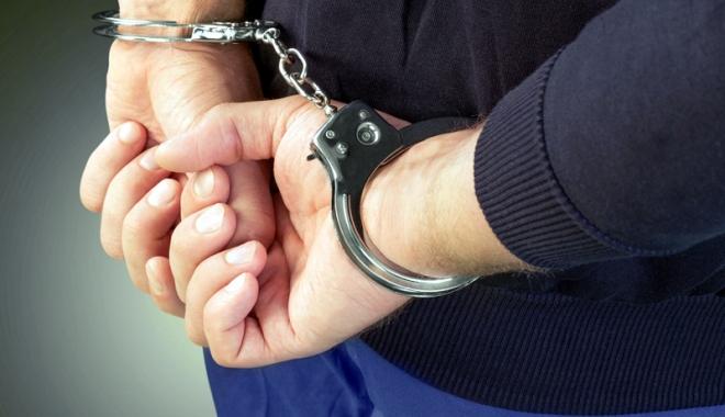 Foto: Individul care a încercat să violeze o minoră, arestat