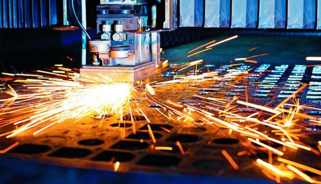 Foto: Industria nu dă semne de revenire