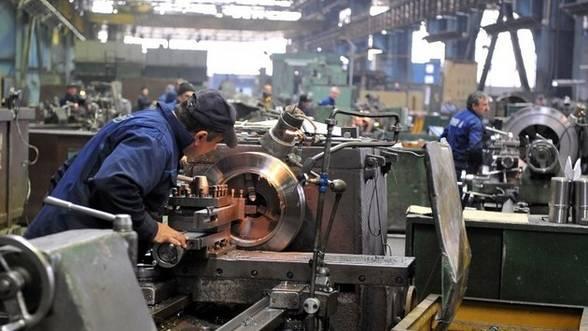 Foto: Industria are mai multe comenzi