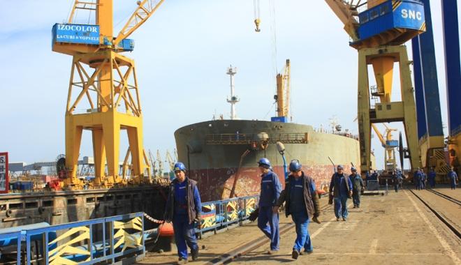 """Foto: Industria navală românească răsuflă uşurată: """"În sfârşit,  am scăpat de criză!"""""""