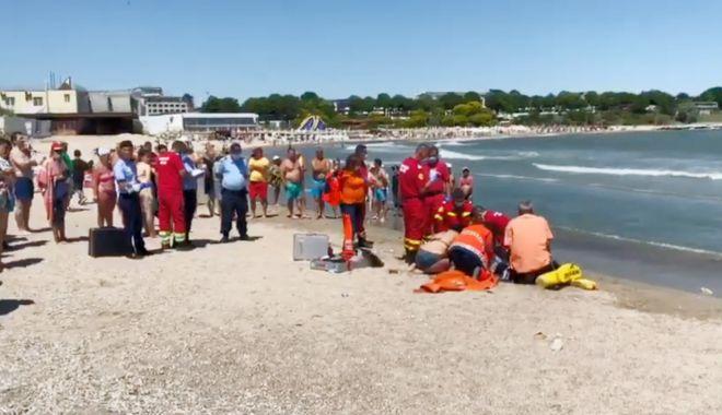 Foto: VIDEO / UPDATE. PATRU COPII și TREI ADULȚI, în pericol de înec la Mangalia. Un bărbat A MURIT!