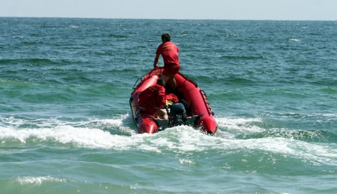 Foto: Alertă în Vama Veche. Salvatorii caută în bărbat care a intrat în mare și nu a mai ieșit