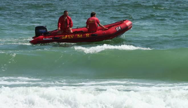 Foto: Doi tineri şi-au găsit sfârşitul  în valurile mării, la Mamaia