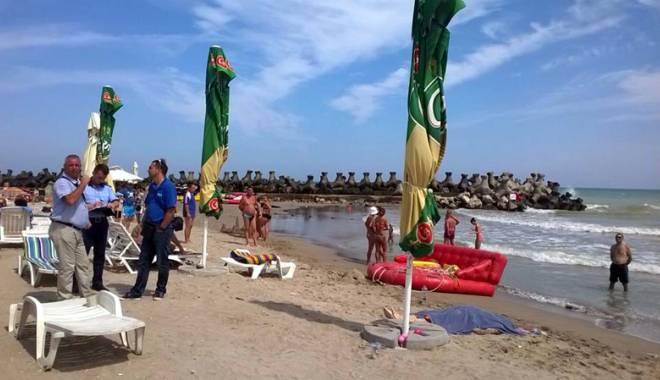 Foto: Imagini de coşmar pe plajă. Cadavre aduse la mal de valuri