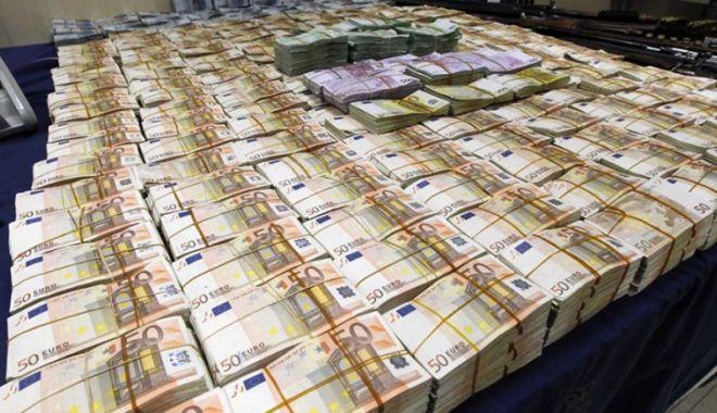 Foto: Info financiar - bancar