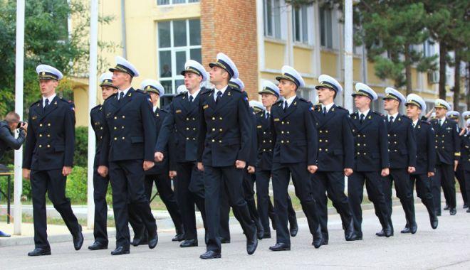 Foto: Ministrul Apărării, Mihai Fifor,  vine la Constanţa. Care este motivul