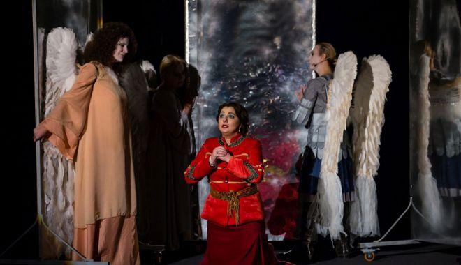 """Foto: """"Inima reginei Maria"""" urcă,  din nou, pe scena Teatrului de Stat"""
