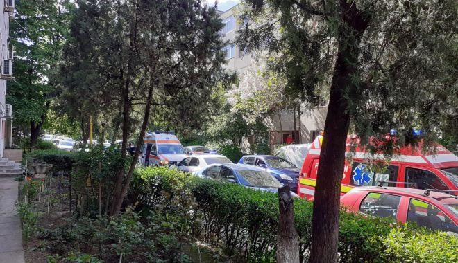 Alertă la Constanţa. Bătrân înjunghiat, pe strada Bucureşti - injunghiat-1621346438.jpg