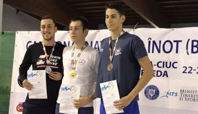 Foto: Înotătorii constănţeni s-au întors  cu medalii de la Campionatul Naţional