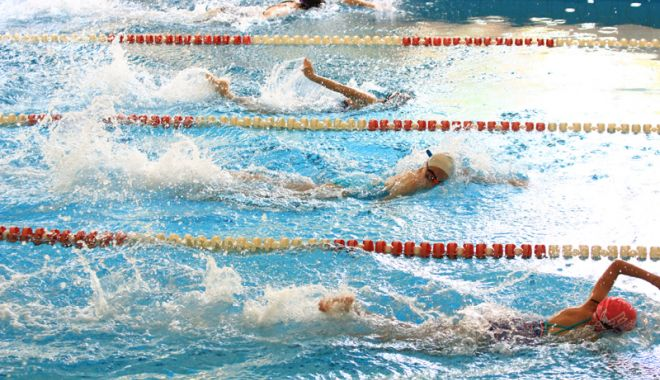 Înotul românesc, în picaj! Două treimi din înotători sunt legitimaţi de formă
