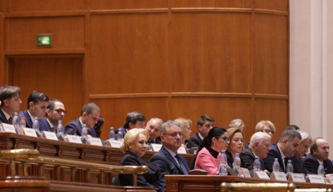 Foto: Se votează moțiunea de cenzură