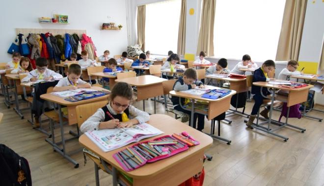 Foto: Începe vânătoarea şcolilor bune! Care este calendarul înscrierilor în clasa pregătitoare