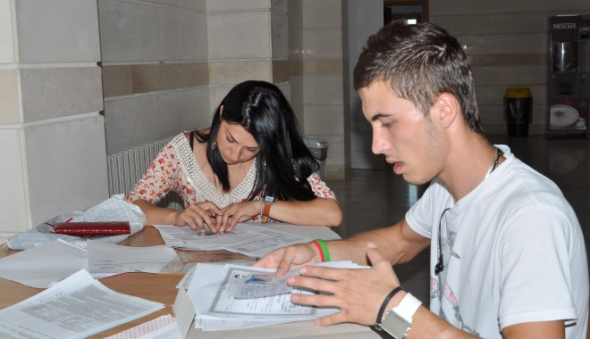 """Foto: Universitatea """"Ovidius"""" / Se prelungeşte programul de înmatriculări"""