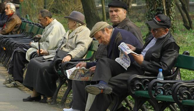 Foto: INS. Cu cât a scăzut numărul pensionarilor