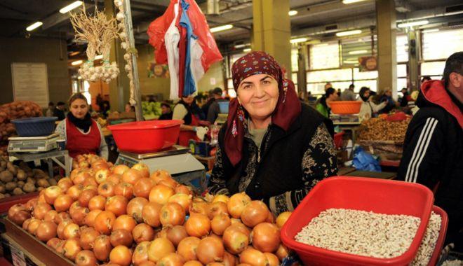Foto: Inspectorii Ministerului Agriculturii au controlat 184 de piețe agroalimentare