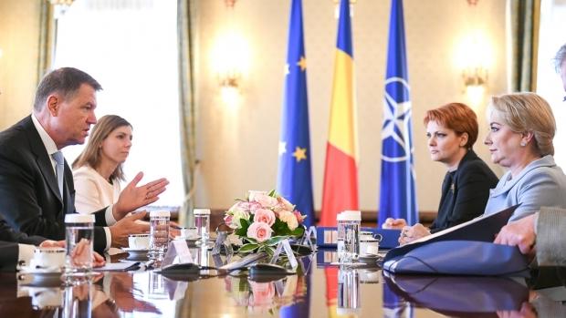 Foto: Guvernul a sesizat CCR după ce Klaus Iohannis a amânat numirile la Dezvoltare şi Transporturi
