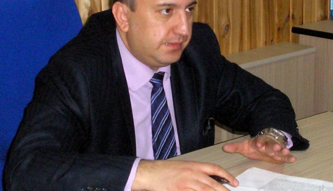 Prof. Dănuț Epure, în turneu electoral - intalnirefacultateadeistorie2-1328285913.jpg
