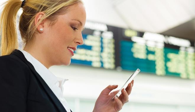 Foto: Tarife mai mici la telefon, în străinătate, începând de mâine