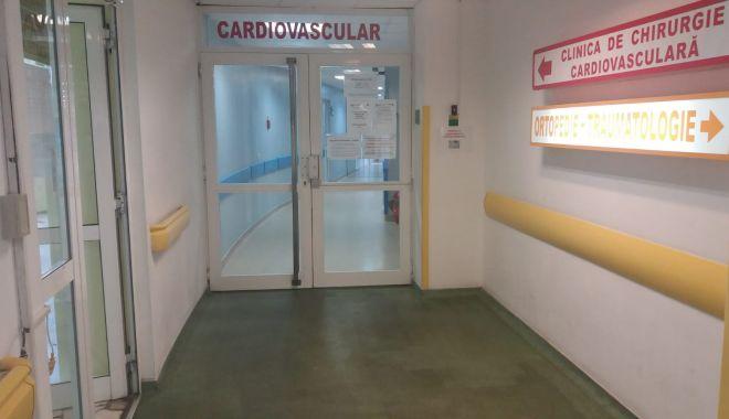 Foto: Intervenţie dificilă, realizată la Spitalul Clinic Judeţean Constanţa, de medicul Marius Militaru