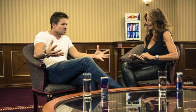 """Foto: Felix Baumgartner face regulile în relaţia cu Mihaela: """"Eu sunt şeful!"""""""