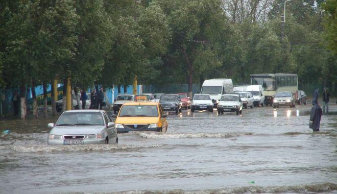 Foto: ALERTĂ DE VREME REA! RAJA a activat Comandamentul pentru Situații de Urgență