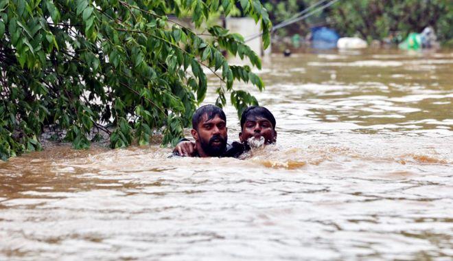 Foto: Fără precedent în ultimul secol! Peste un milion de persoane, evacuate în urma inundaţiilor