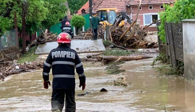 IGSU: 49 de localităţi din 18 judeţe, afectate de ploile din ultima zi. Doi oameni au fost luați de ape - inundatii-1624086409.jpg