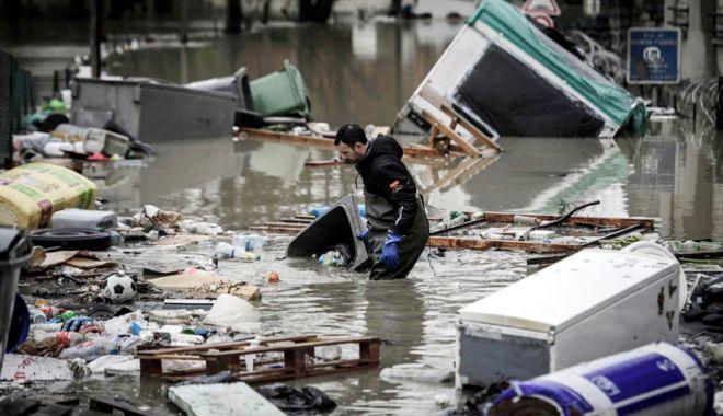 Foto: Inundaţii fără precedent în Franţa.  Mai multe persoane au murit