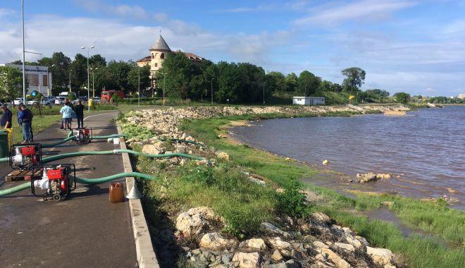 Foto: GALERIE FOTO. Inundaţii la Techirghiol. S-au înregistrat averse de aproape 90 de litri pe metru pătrat, în numai câteva ore