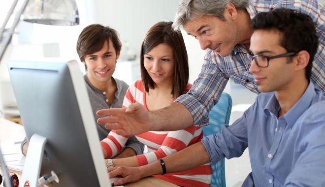 """""""Învață de la cei mai buni!"""". Stagii de pregătire pe piaţa muncii, pentru studenţii de la UMC - invatadelaceimaibuni-1618931025.jpg"""