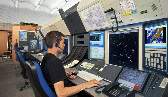 Foto: Învăţământul virtual a ajuns la bordul navelor