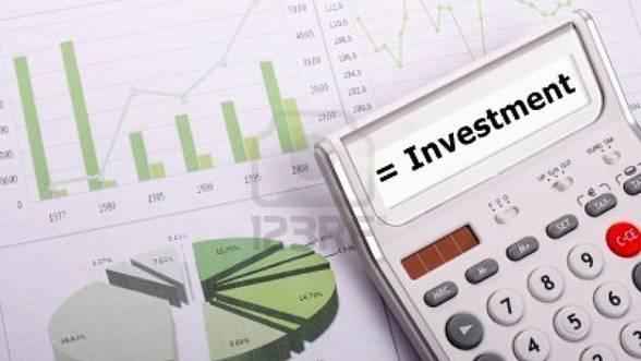 Foto: Investiţiile nete din economie sunt mai mici cu 3,1%