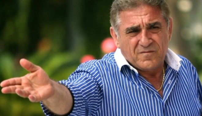 Foto: BOMBĂ la Națională! Un jucător IMPORTANT vrea să se RETRAGĂ